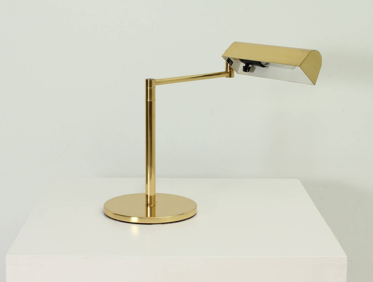 swing arm table lamp by george hansen at 1stdibs. Black Bedroom Furniture Sets. Home Design Ideas