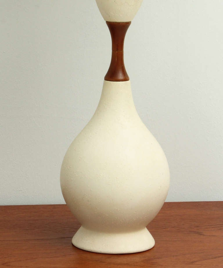 large mid century ceramic table lamp for sale at 1stdibs. Black Bedroom Furniture Sets. Home Design Ideas