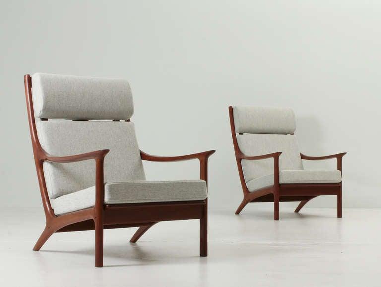 Pair of danish easy chairs at 1stdibs - Butacas altas ...