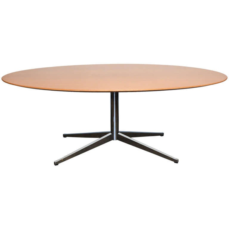 Florence Knoll Oval Dining Table at 1stdibs