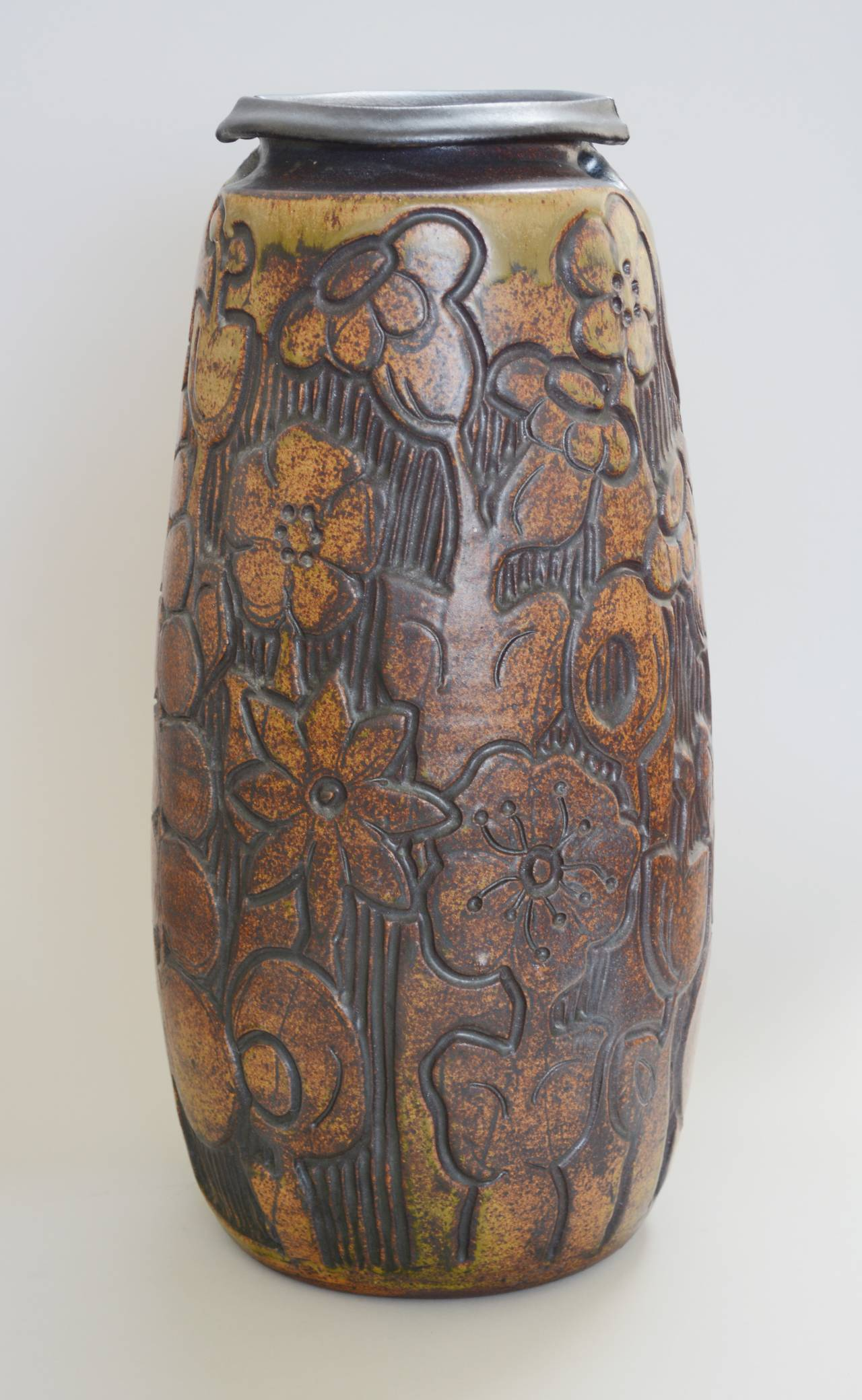 Monumental andrew bergloff studio pottery floor vase for sale at large stoneware floor vase by california studio potter andrew bergloff this vase has a carved reviewsmspy