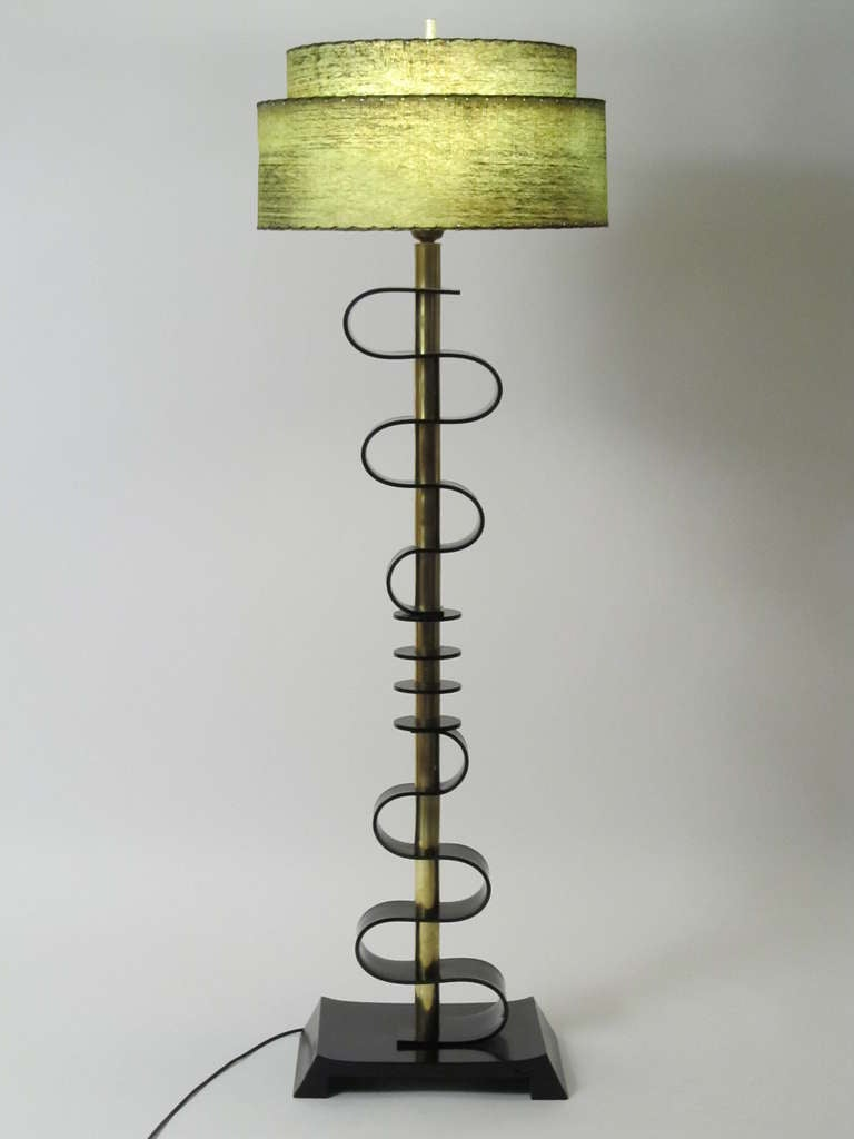 mid century acrylic and brass floor lamp at 1stdibs. Black Bedroom Furniture Sets. Home Design Ideas