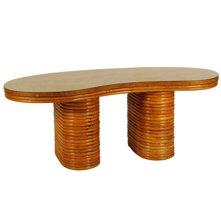 1940 39 S Kidney Shape Rattan Coffee Table At 1stdibs