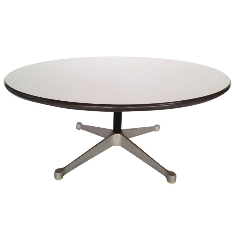 eames aluminum group coffee table for herman miller at 1stdibs. Black Bedroom Furniture Sets. Home Design Ideas