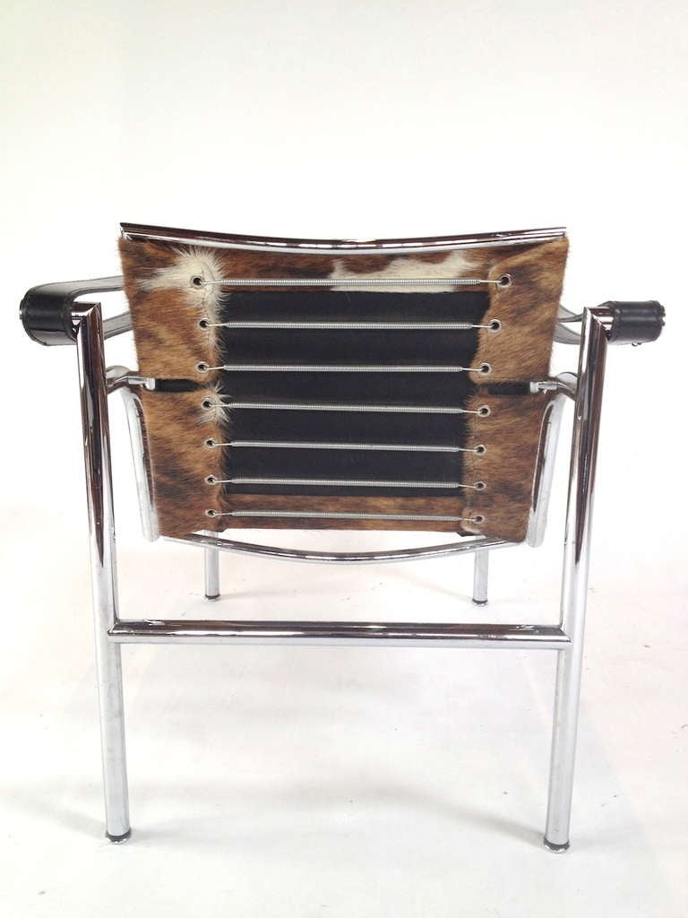 authentic signed cassina le corbusier lc1 cowhide lounge chair at 1stdibs. Black Bedroom Furniture Sets. Home Design Ideas