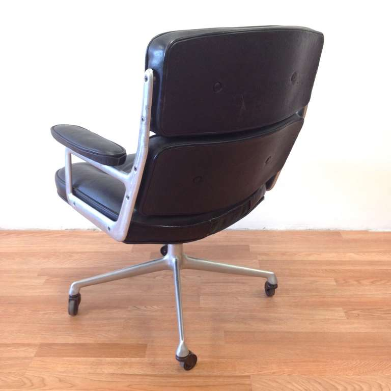 herman miller and charles eames time life chair in original black leather at 1stdibs. Black Bedroom Furniture Sets. Home Design Ideas