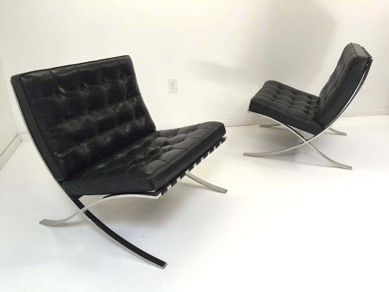 pair of authentic mies van der rohe black leather. Black Bedroom Furniture Sets. Home Design Ideas
