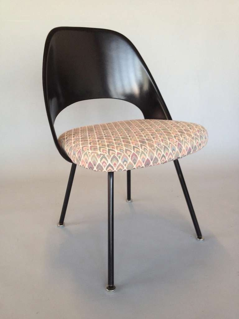 Rare set of knoll eero saarinen dining chairs with