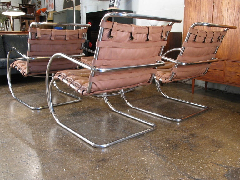 this mies van der rohe mr lounge chairs is no longer available