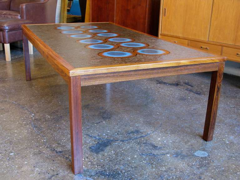 1960s Scandinavian Rosewood Coffee Table with Stamped Copper Top 2 - 1960s Scandinavian Rosewood Coffee Table With Stamped Copper Top