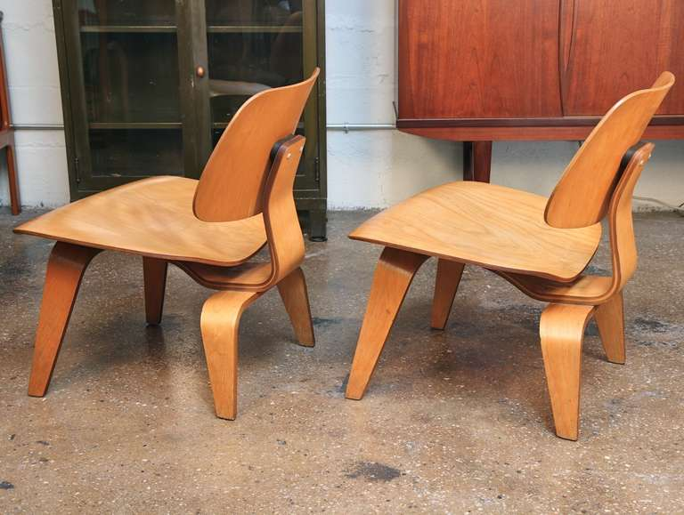 pair of lcw chairs by charles and ray eames for herman miller at 1stdibs