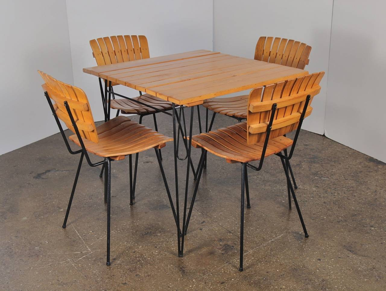 this arthur umanoff dinette dining set is no longer available