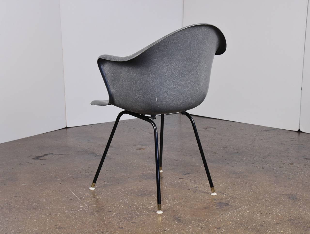 Mid Century Modern Vintage Molded Fiberglass Chair For Sale