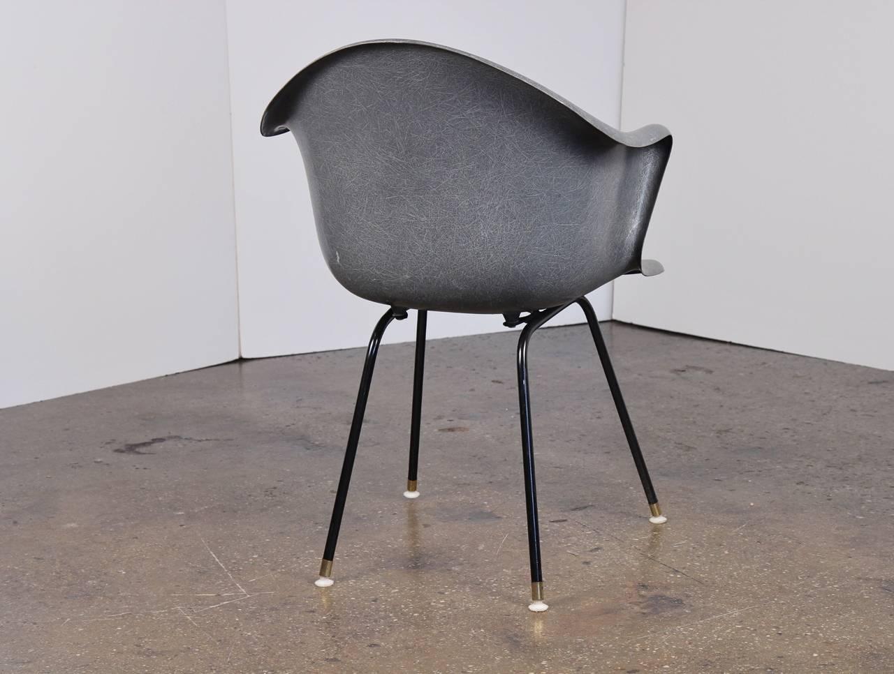 Vintage Molded Fiberglass Chair at 1stdibs