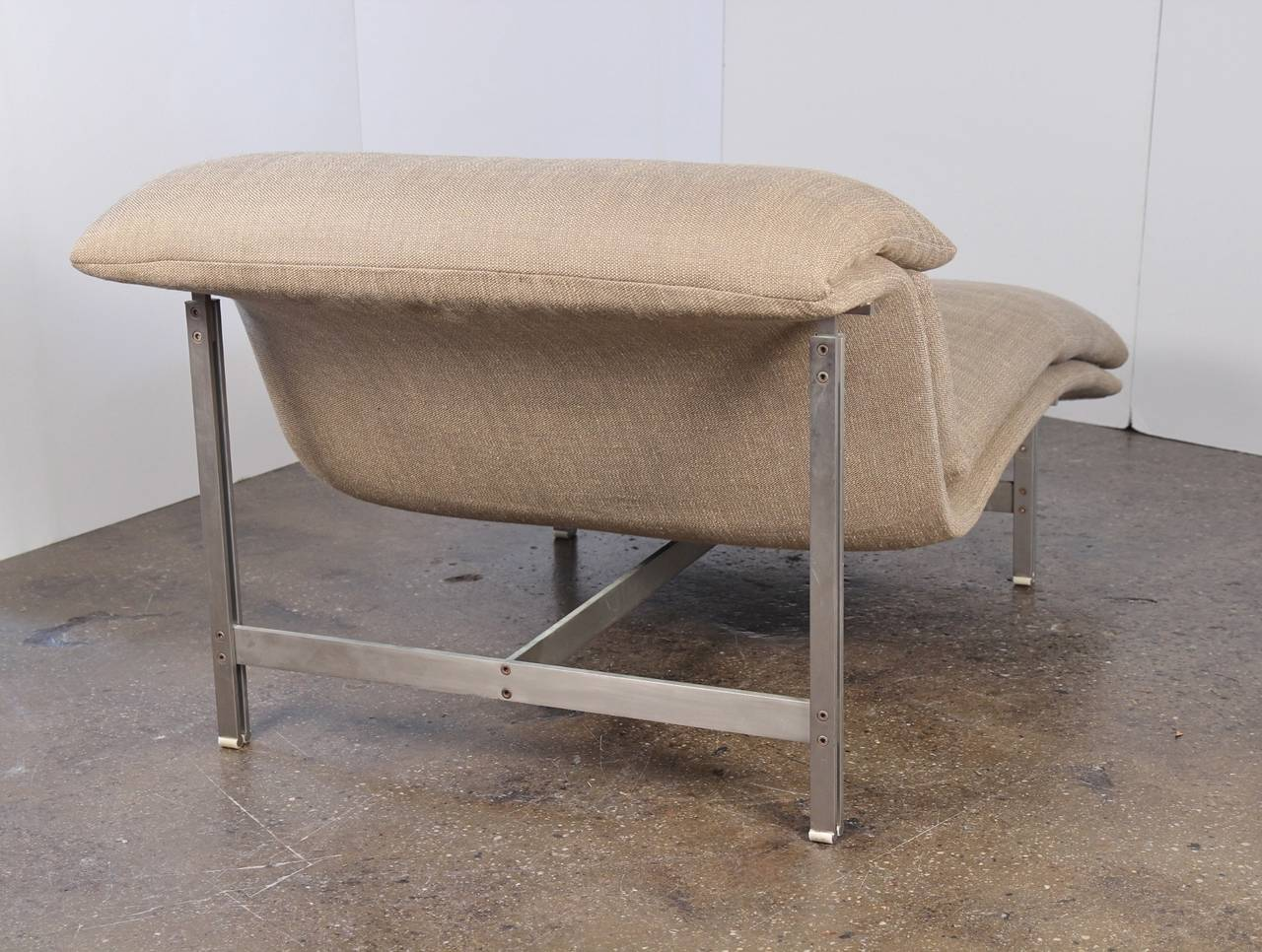 Saporiti wave chaise longue at 1stdibs for Chaise longue wave