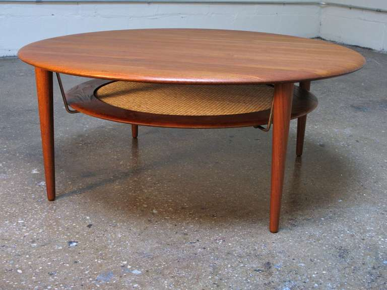 Charming Lovely Round Two Level Coffee Or Cocktail Table. Beautiful Teak Wood Grain  On Table