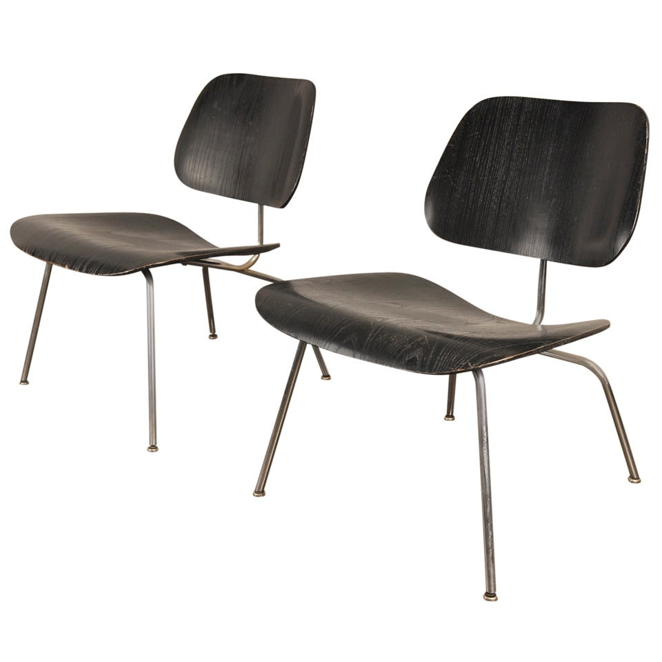 pair of 1950s black lcm by charles and ray eames for herman miller for sale at 1stdibs. Black Bedroom Furniture Sets. Home Design Ideas