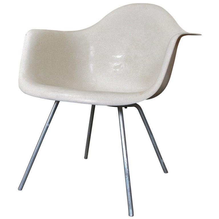 Rare 1953 Parchment Eames Shell Chair 1