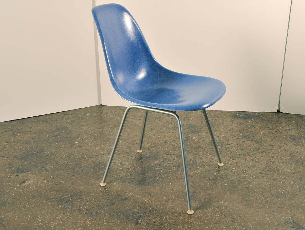 8 eames herman miller fiberglass shell chairs blue at 1stdibs. Black Bedroom Furniture Sets. Home Design Ideas