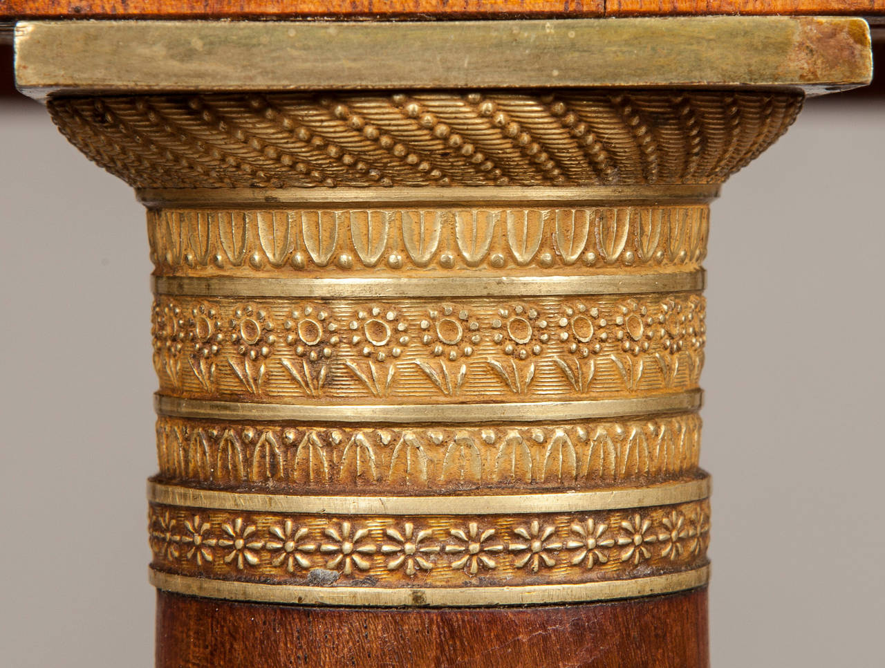 Empire 19th Century Italian Table of Mahogany and Painted Architectural Scenes of Rome  For Sale