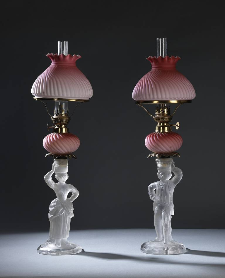 pair of victorian glass oil lamps for sale at 1stdibs. Black Bedroom Furniture Sets. Home Design Ideas