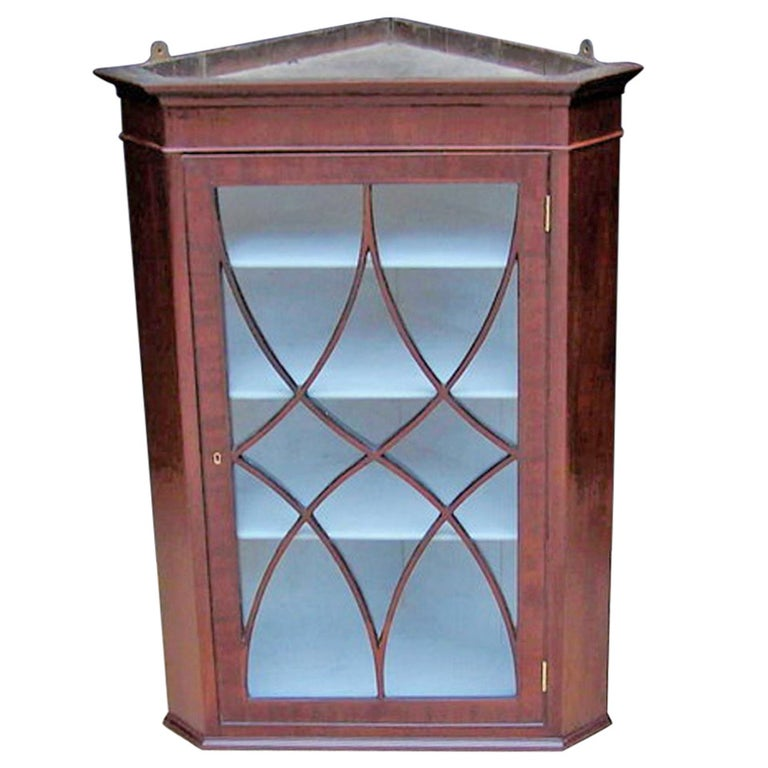 Early 19th Century Mahogany Hanging Corner Cabinet For Sale