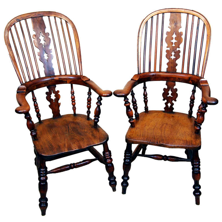 Antique Pair Of Yew Broadarm Windsor Chairs For Sale - Antique Pair Of Yew Broadarm Windsor Chairs At 1stdibs