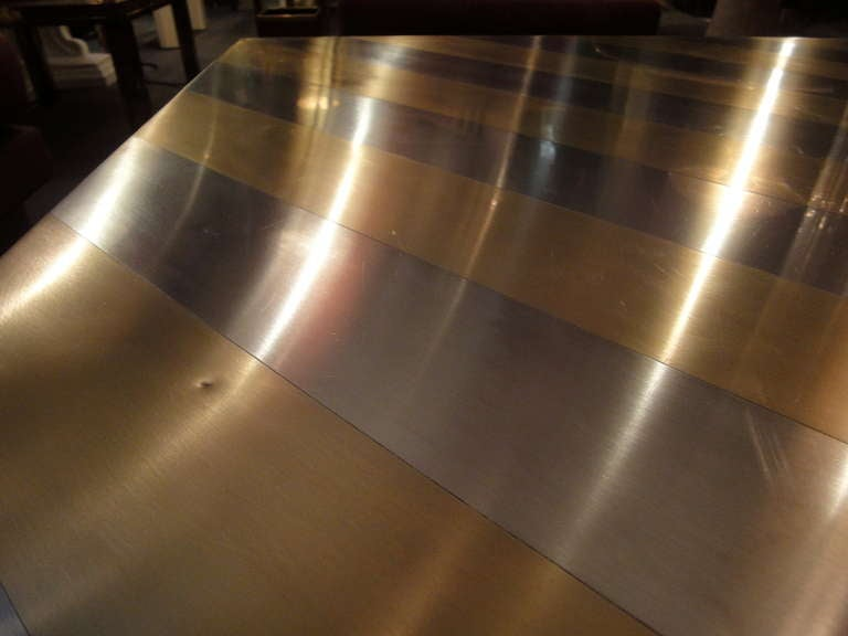 A square-shaped coffee table image 7