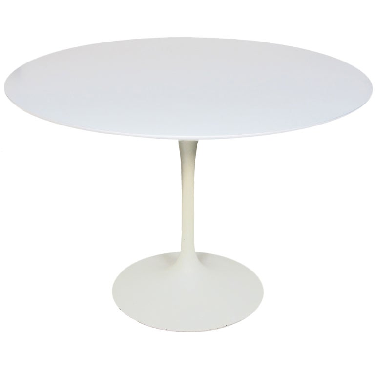 Xxx saarinen dining table for Dining room tables 42 round