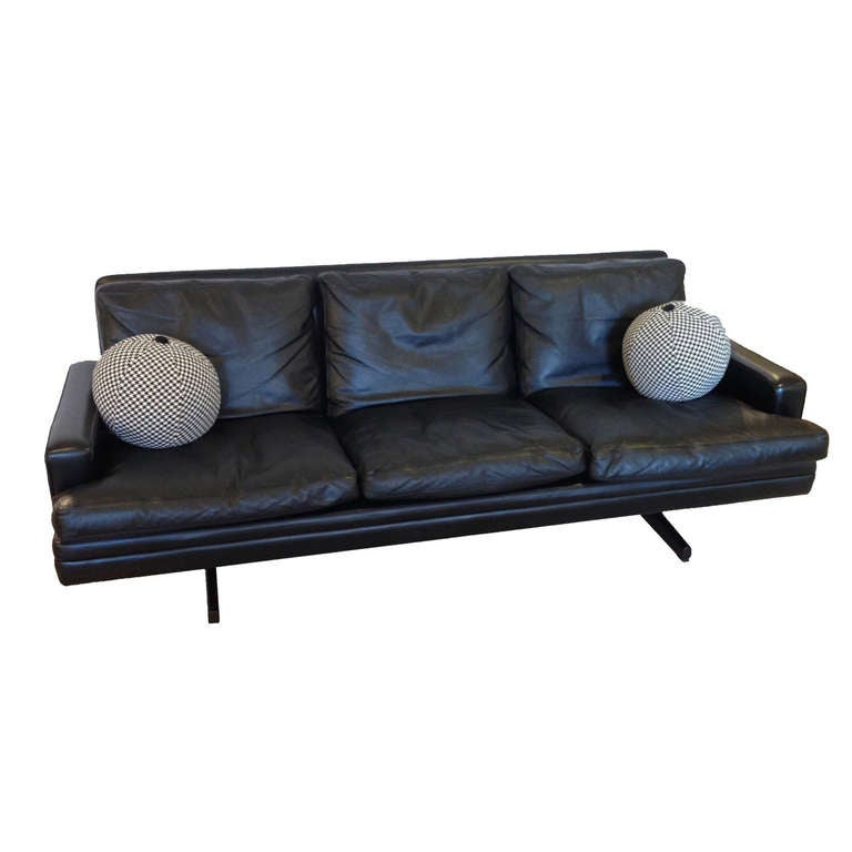 ... Leather Sofa by Fredrik Kayser for Vatne Mobler For Sale at 1stdibs