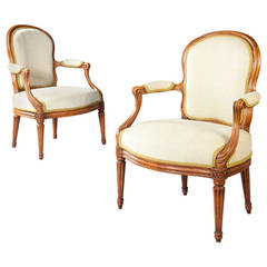Pair of French Louis XV Fauteuils by Nicolas Courtois, circa 1770