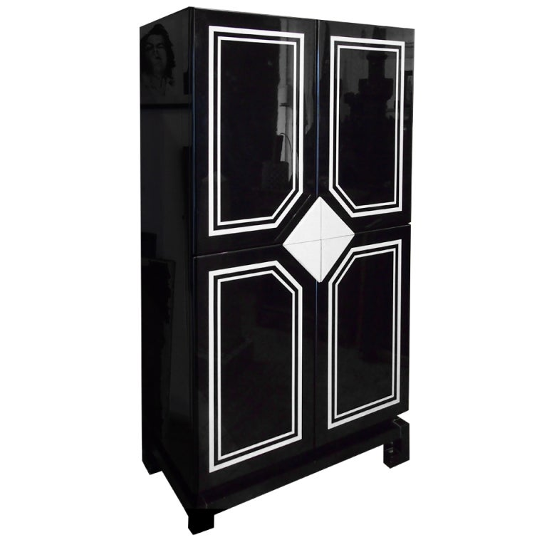 1970 french black and white lacquered armoire romeo. Black Bedroom Furniture Sets. Home Design Ideas