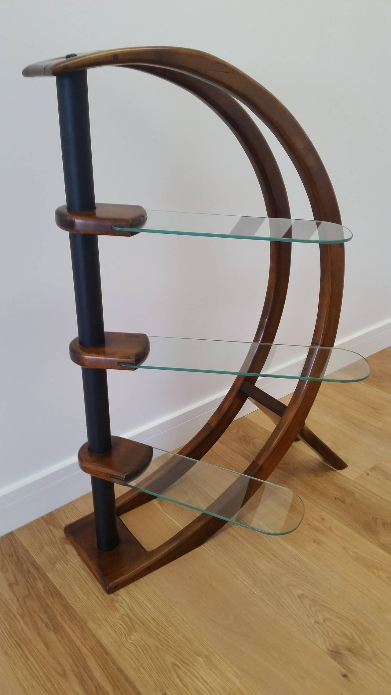 mid 20th century design etagere freestanding shelving at. Black Bedroom Furniture Sets. Home Design Ideas