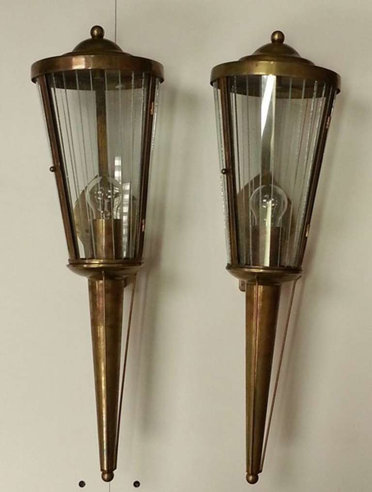 Wall Sconces Art Deco : A Pair Of Art Deco Wall Sconces at 1stdibs