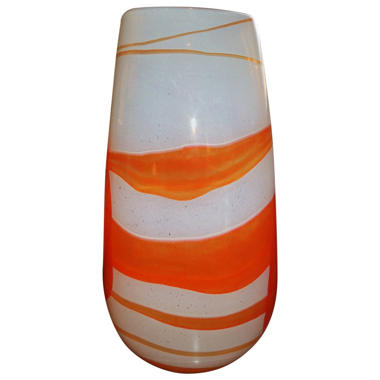Art glass vase orange swirl at 1stdibs for Orange vase