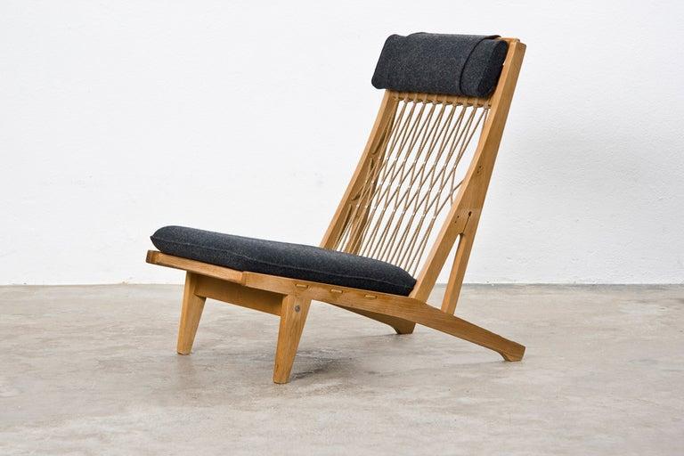 Pair Of Hans Wegner Lounge Chairs At 1stdibs