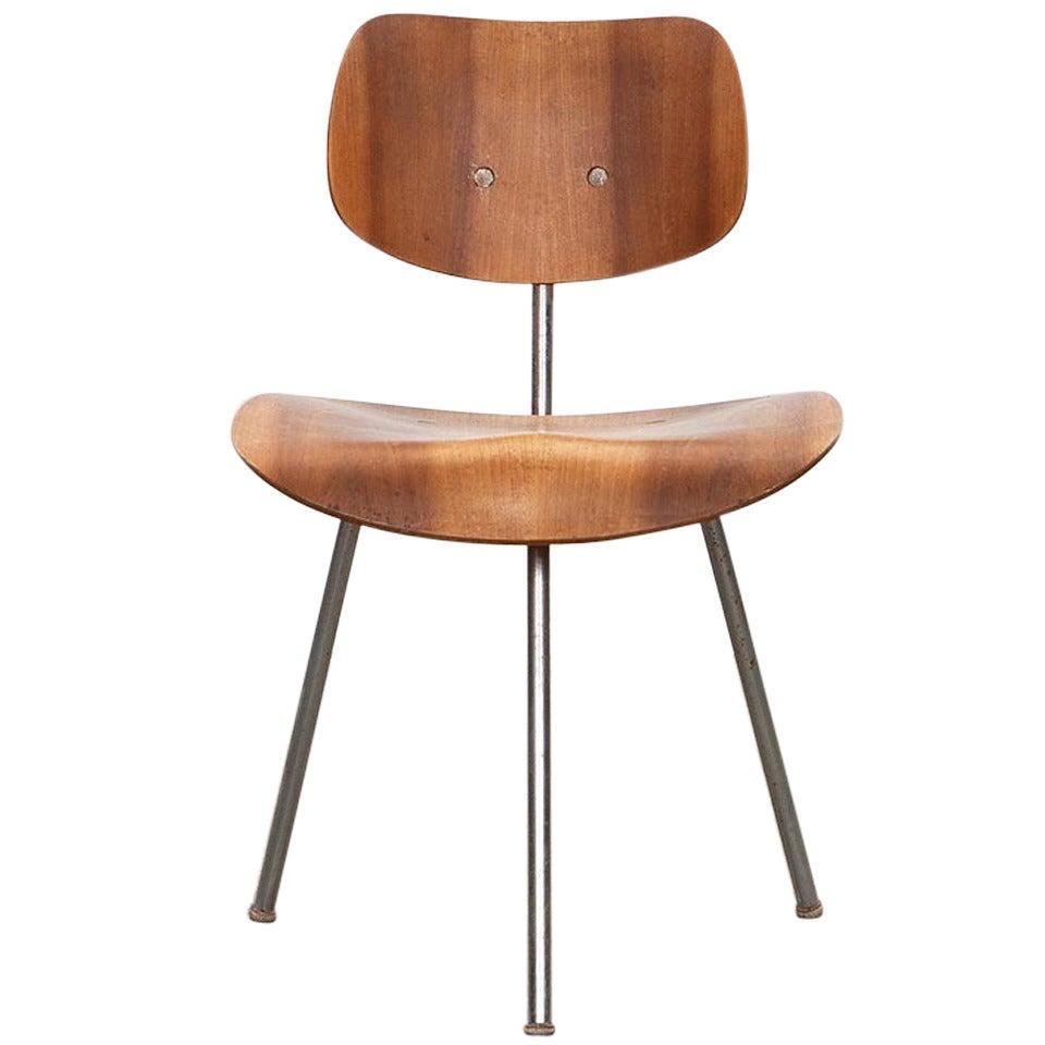 1950s beech plywood Three-Legged Chair by Egon Eiermann
