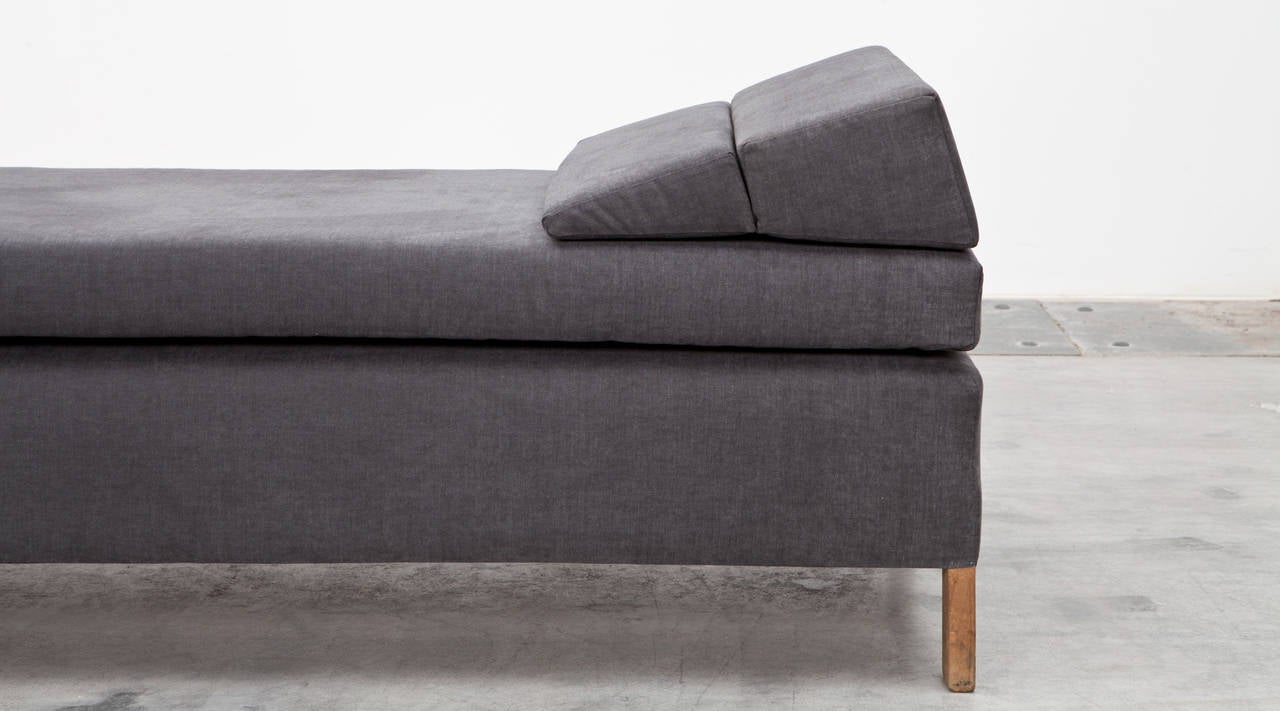 Mid-Century Modern 1950s Grey Fabric, Wooden Frame Daybed by Ferdinand Kramer New Upholstery For Sale