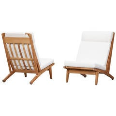 Hans Wegner Lounge Chairs with White Cushions, New Upholstery