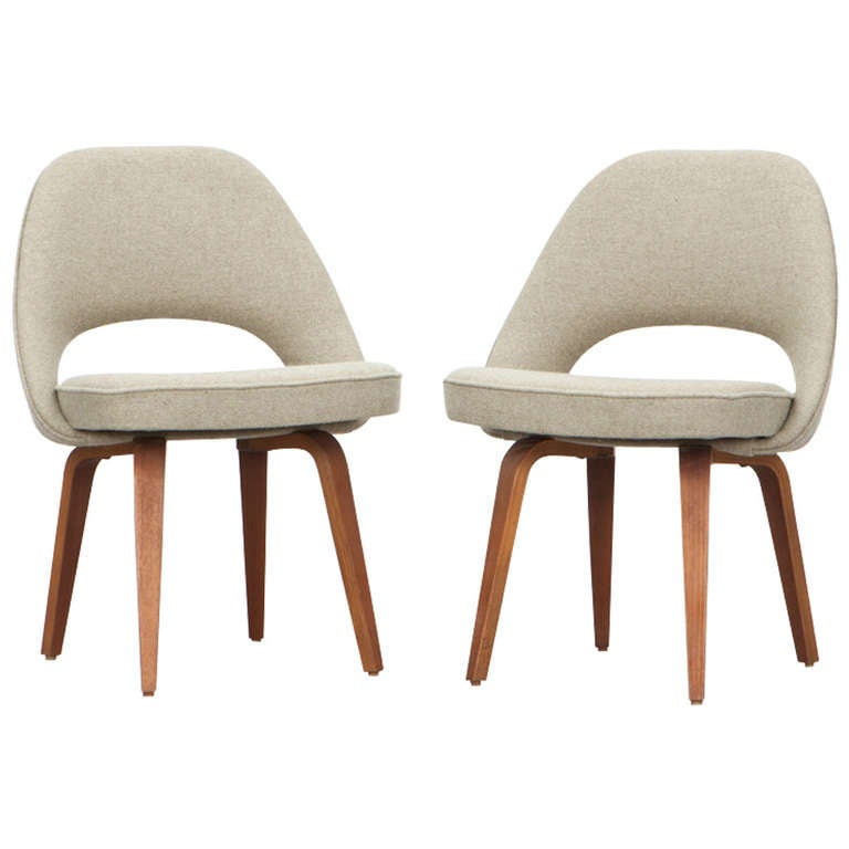 Eero Saarinen Side Chairs 2 At 1stdibs