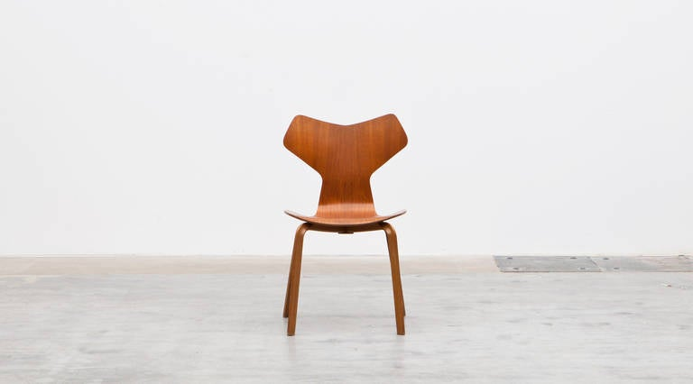 Arne Jacobsen Grand Prix Chairs Set Of Eight At 1stdibs