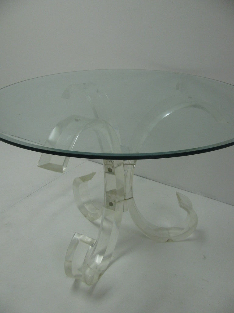 Mid-Century Modern Lucite Round Dining Table For Sale 4