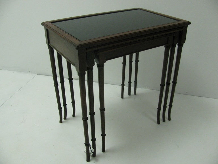 Mid Century Mahogany French C1948 Faux Bamboo Nesting Tables In Good Condition For Sale In Port Jervis, NY