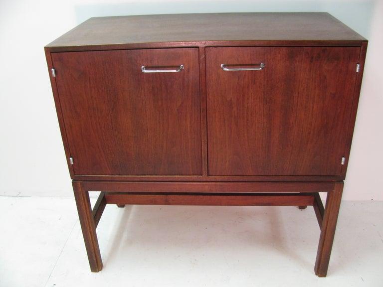 Jens Risom Mid-Century Modern Walnut Cabinet Credenza For Sale