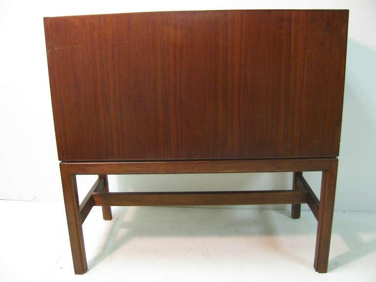 Jens Risom Mid-Century Modern Walnut Cabinet Credenza For Sale 1