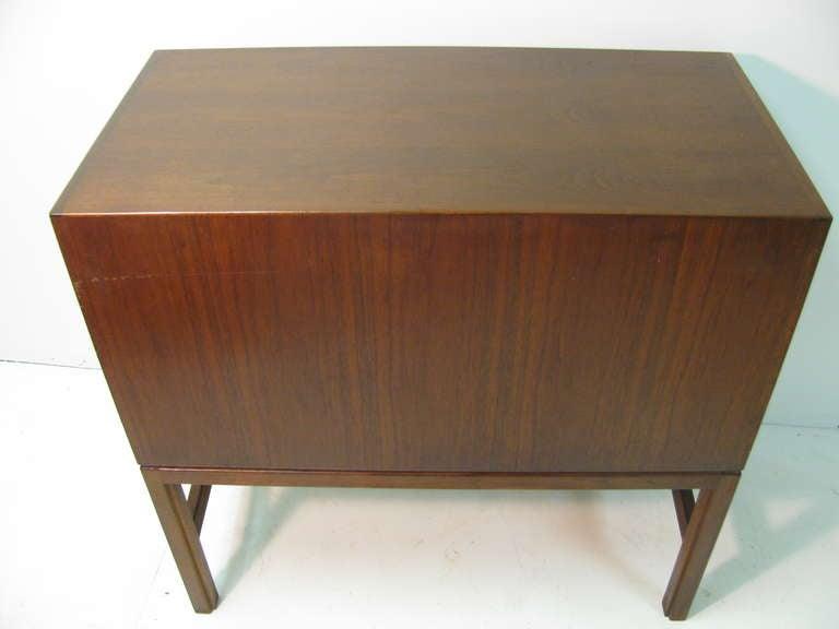 Mid-20th Century Jens Risom Mid-Century Modern Walnut Cabinet Credenza For Sale