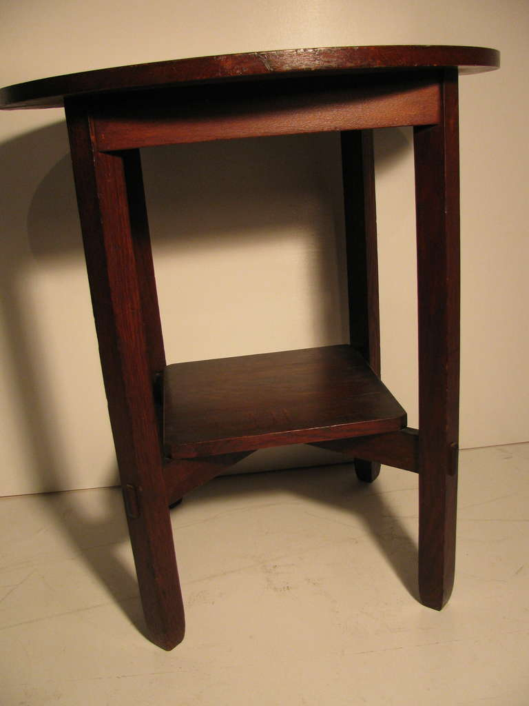 Arts and Crafts Stickley Brothers Lamp Table circa 1910 For Sale