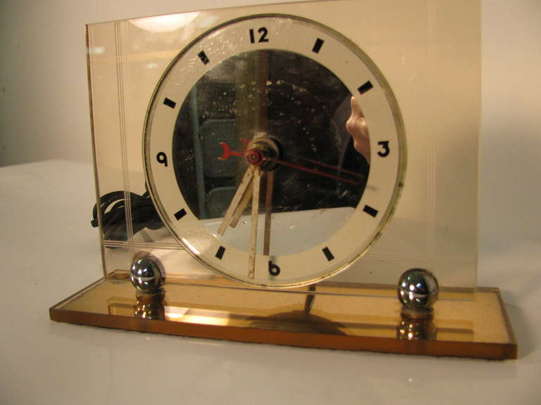 American Art Deco Pink Champagne Glass Mantel Clock For Sale