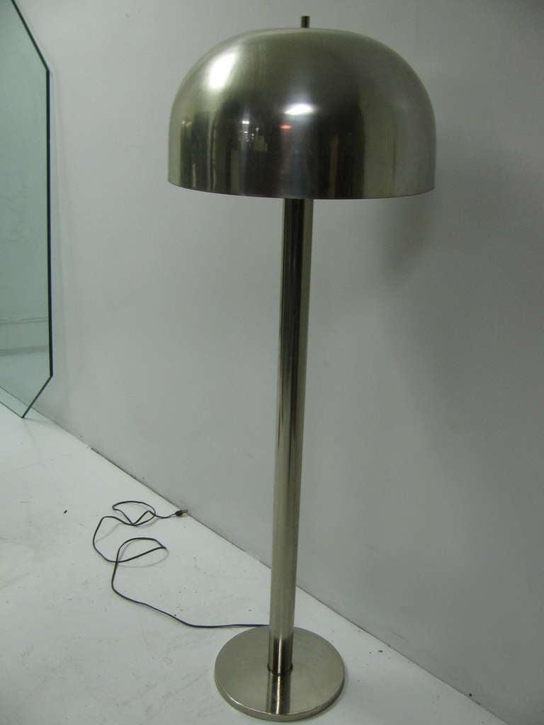 Mid Century Modern Floor Lamp By Robert Sonneman For Sale
