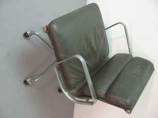Eames Soft Pad Rolling Desk Chair